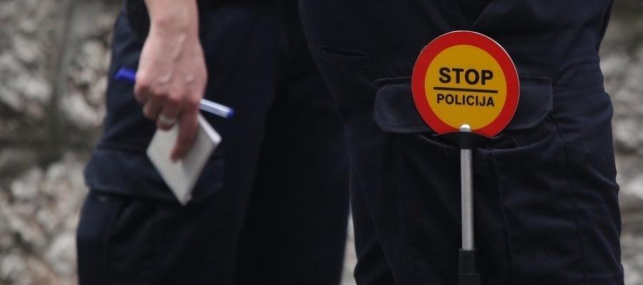 Nova praksa u SBK: Ako prevozite ukradena drva policija vam oduzima i drva i vozilo